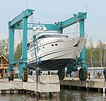 В «Буревестнике» начался спуск лодок на воду
