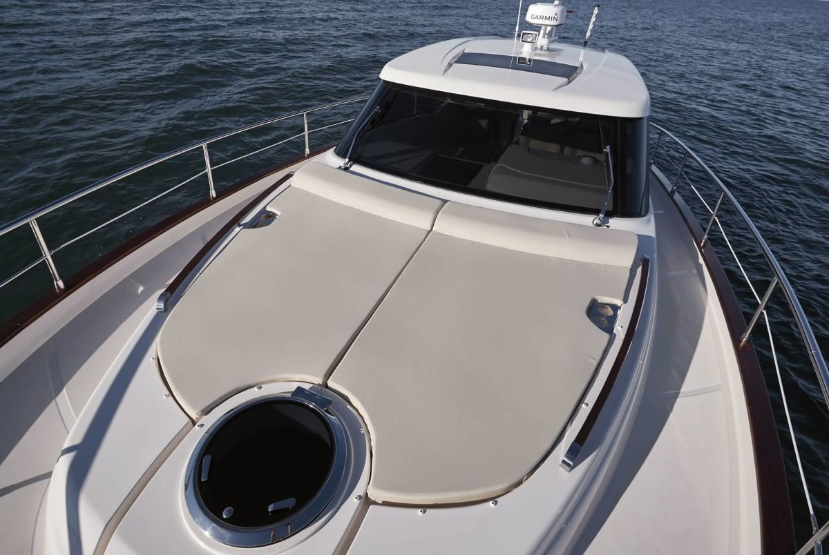 Chris Craft Commander 44