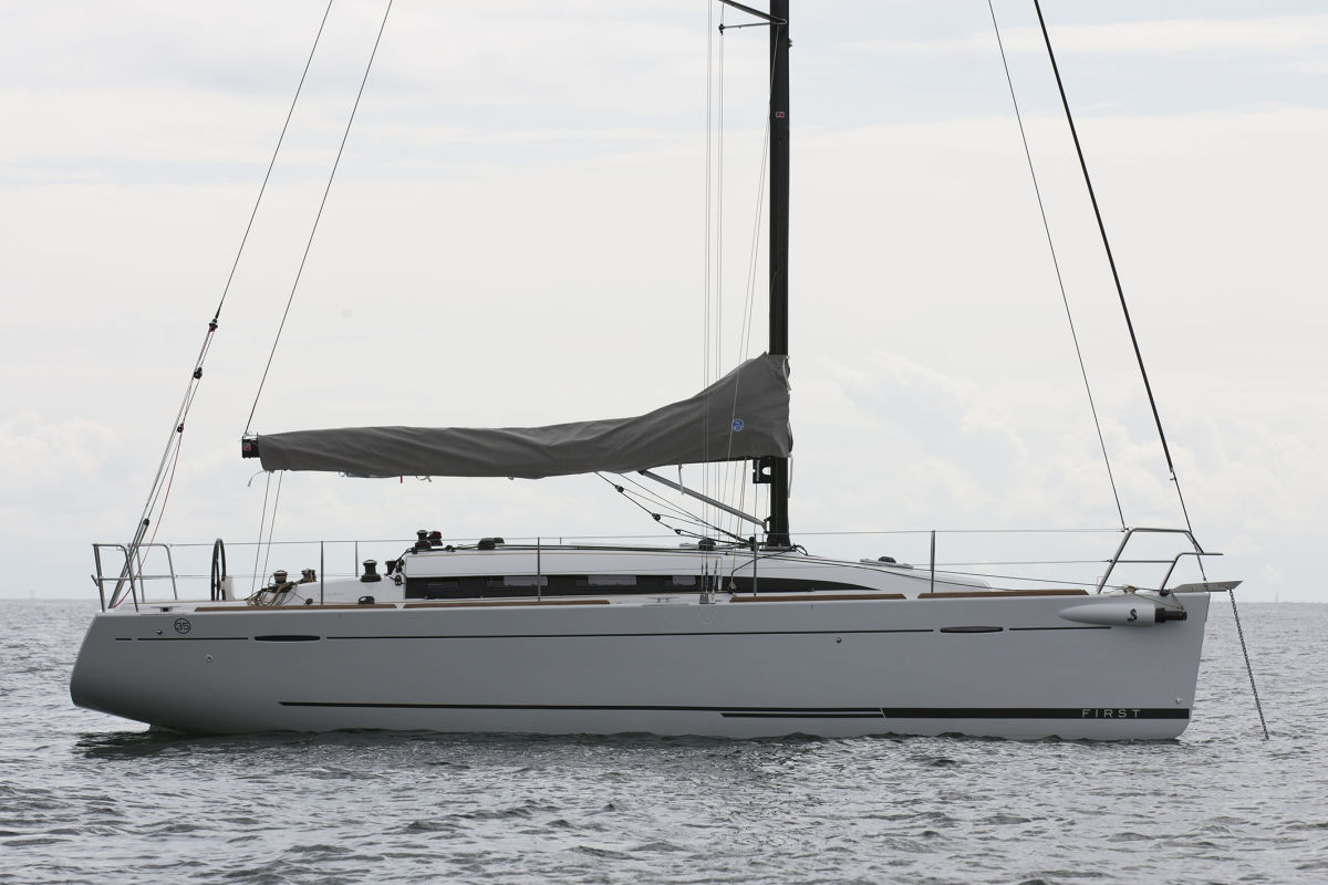 Beneteau First 35 Carbon Edition